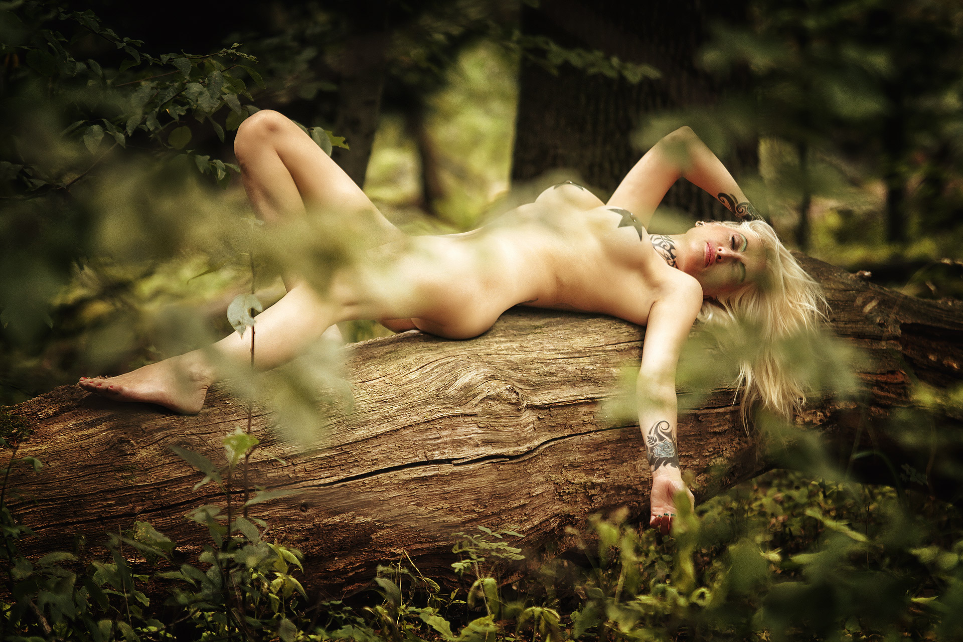 Alira Adore – Out in the woods